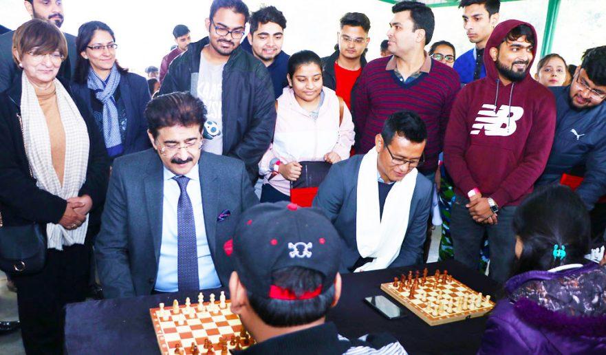 bhaichung-bhutia-at-aeg-asian-education-group-noida-chess-championship-2020